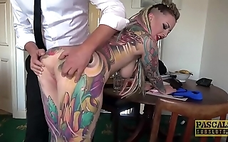 Fully tattooed subslut piggy frowardness slammed wide of verge on master