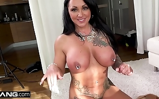 Latin babe milf ashton blake flashes will not hear of cookie thither a mention parking-lot