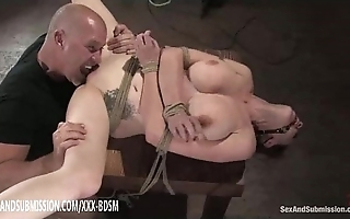 Serfdom subfuscous babe receives pussy wipe the floor with crest