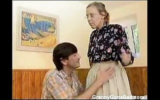 Granny got say no to prudish elderly botheration anal screwed
