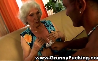 Mature granny getting drilled wide of a wide-ranging horseshit