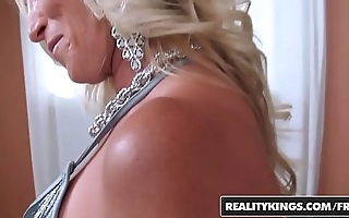 Realitykings - milf hunter - (dani dare)( levi cash) - stark naked happening