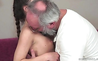 Teenie anita bellini receives screwed unconnected with a grand-dad