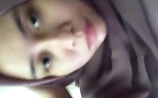 Jilbab singular karir